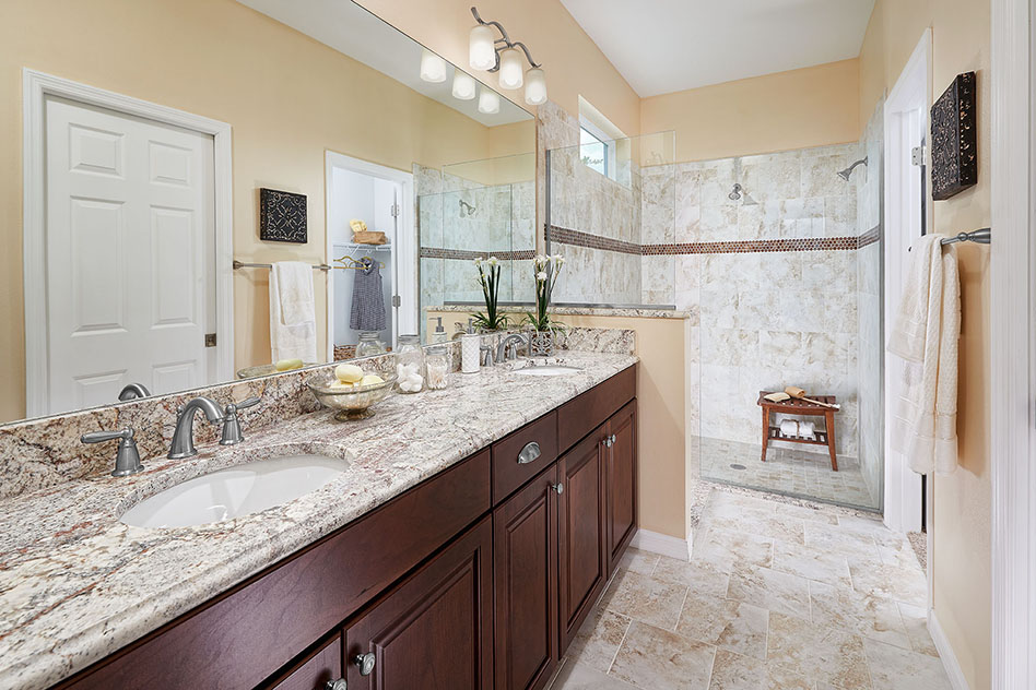 Braden home master bathroom